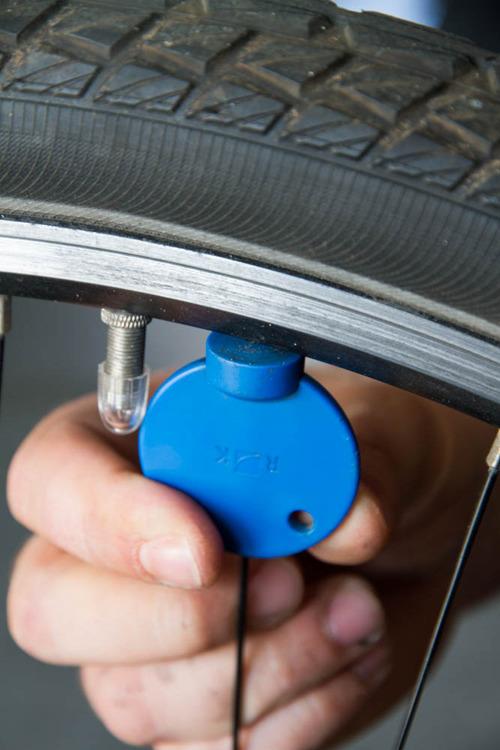 fahrrad speichen nachziehen