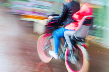 So montieren Sie einen Kindersitz an Ihrem Fahrrad